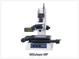 미쯔토요 MF, 플레어 현상을 억제한 선명한 정립상 광시야 관찰,이 등급 최고 레벨의 측정 정도를 실현(JIS B 7153 준거),MF전용의 고NA대물렌즈 ML시리즈를 사용(긴 작동거리의 사양),조명부(반사*투과)는 고정도 LED조명 또는 할로겐조명 중에서 선택 가능(필수),가변 개구 조리개(반사*투과)로 빛의 회절, 억제한 관찰측정이 가능,풍부한 스테이지라인업으로 최대 400 X 200mm를 표준화,대형 사이즈 및 여러 곳을 측정할 때 스트로크가 긴 측정에 편리한 퀵 릴리스 시스템, 양측 표준장비의 조동*미동 핸들로 초점 조정&관찰측정, 최대 2000X의 고배율 접안관찰이 가능, 화상 유니트나 각종 현미경용 디지털카메라 등 다양한 옵션도 매력적인 측정현미경의 표준기구, 청음설계
